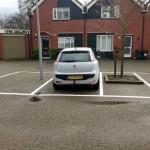 Moderne auto te groot voor parkeervak | Douwe De Beer Occasions
